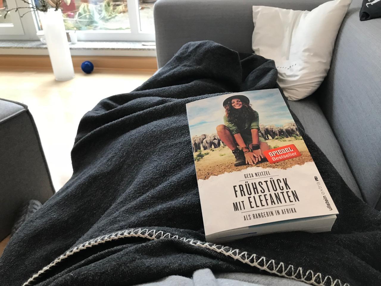 Buch: Frühstück mit Elefanten