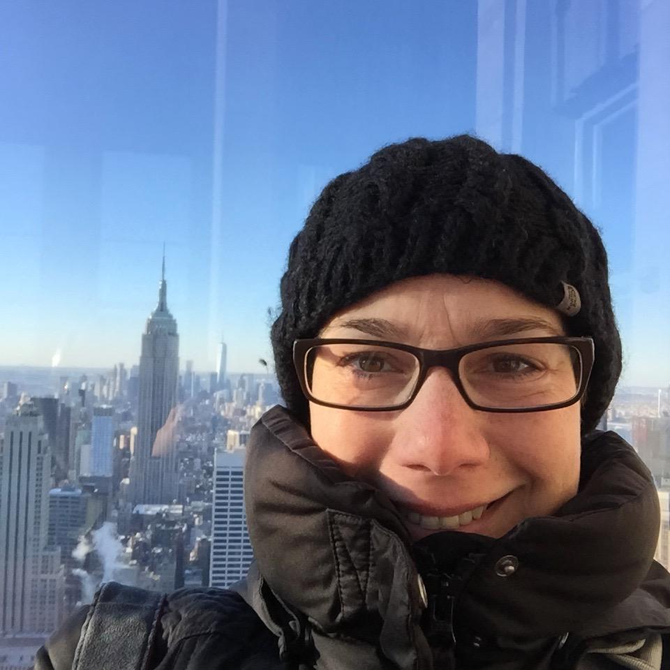 New York: Maike auf dem Rockefellergebäude