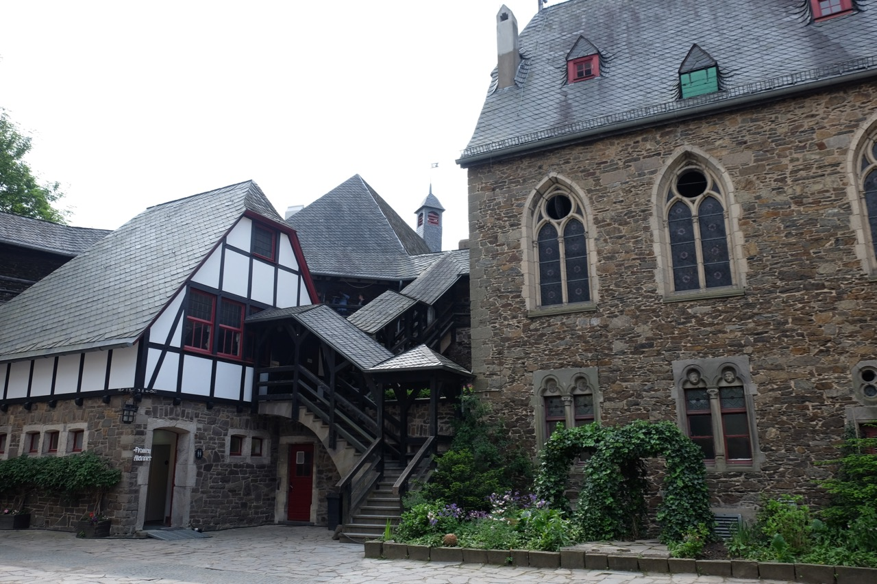 Bergische: Schloss Burg
