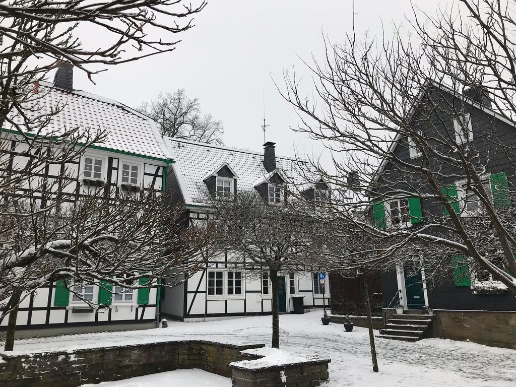 Lennep: Platz im Schnee