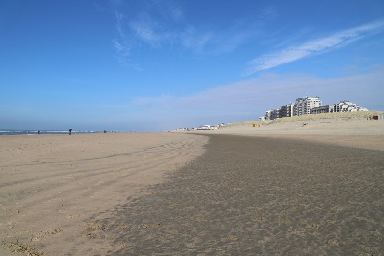 Noordwijk Strand mit Häusern