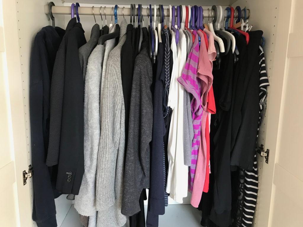 Mein grauer Kleiderschrank