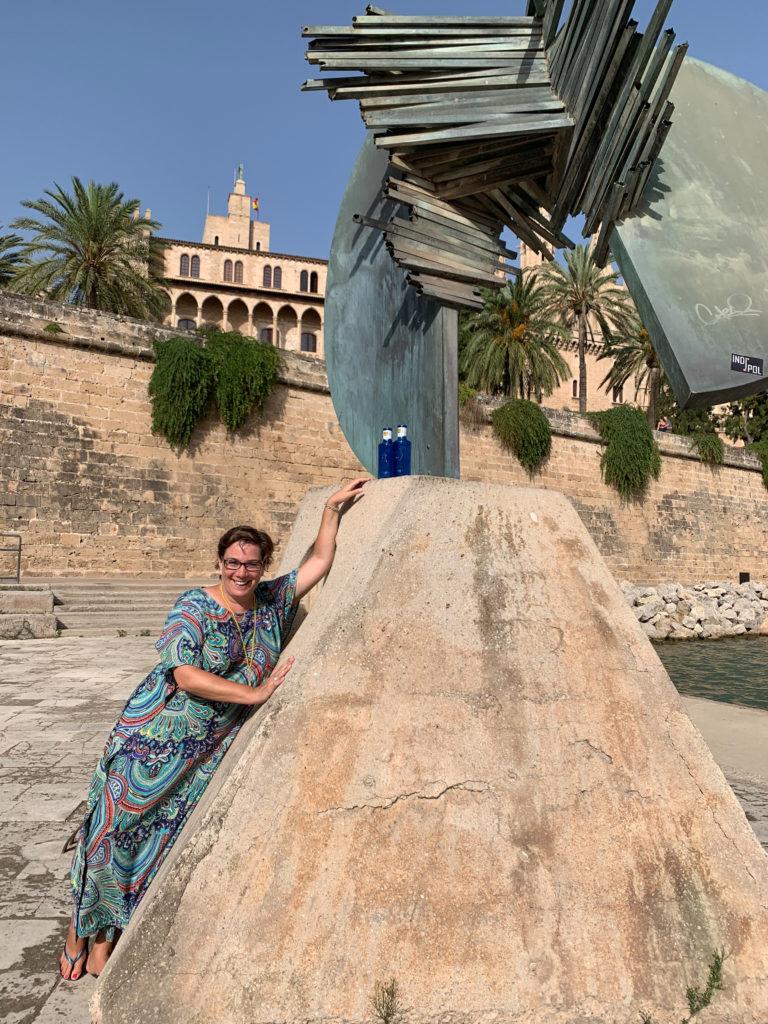 Palma: Frau mit Flaschen